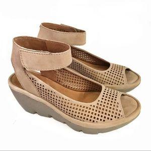 Clarks Reedly Salene Wedge Sandals 6.5 Sand
